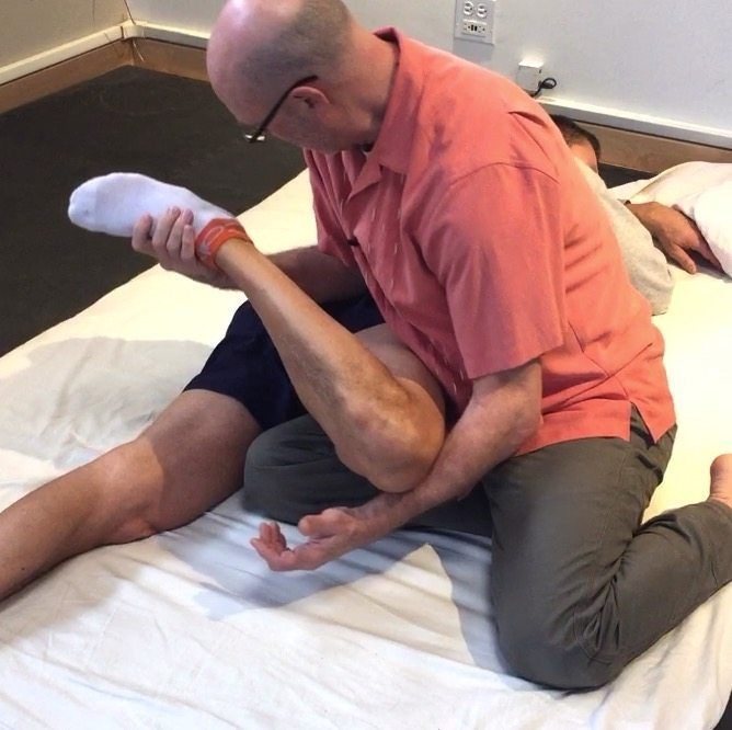 Clinical Thai Bodywork technique for treating glute max as it shortens